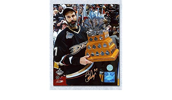 Scott Niedermayer Anaheim Ducks Autographed 2007 Conn Smythe Trophy 8X10  Photo - Signed Hockey Pictures at Amazon s Sports Collectibles Store 8c60e3b9c