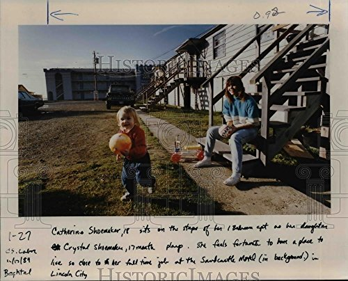 1989 Press Photo Oregon Coast-Catherine & Crystal Shoemaker-Lincoln - City Oregon Lincoln Pictures Of