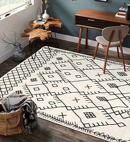 Uphome Boho Geometric Area Rug 4' X 6' Velvet Distressed Accent Tribal Throw Rugs Modern Moroccan Trellis Floor Carpet