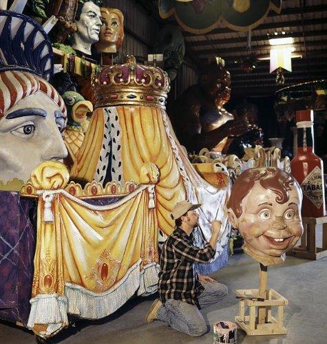 Photo: Worker at Mardi Gras World painting floats,New Orleans,Louisiana (Mardi Gras Floats Ideas)