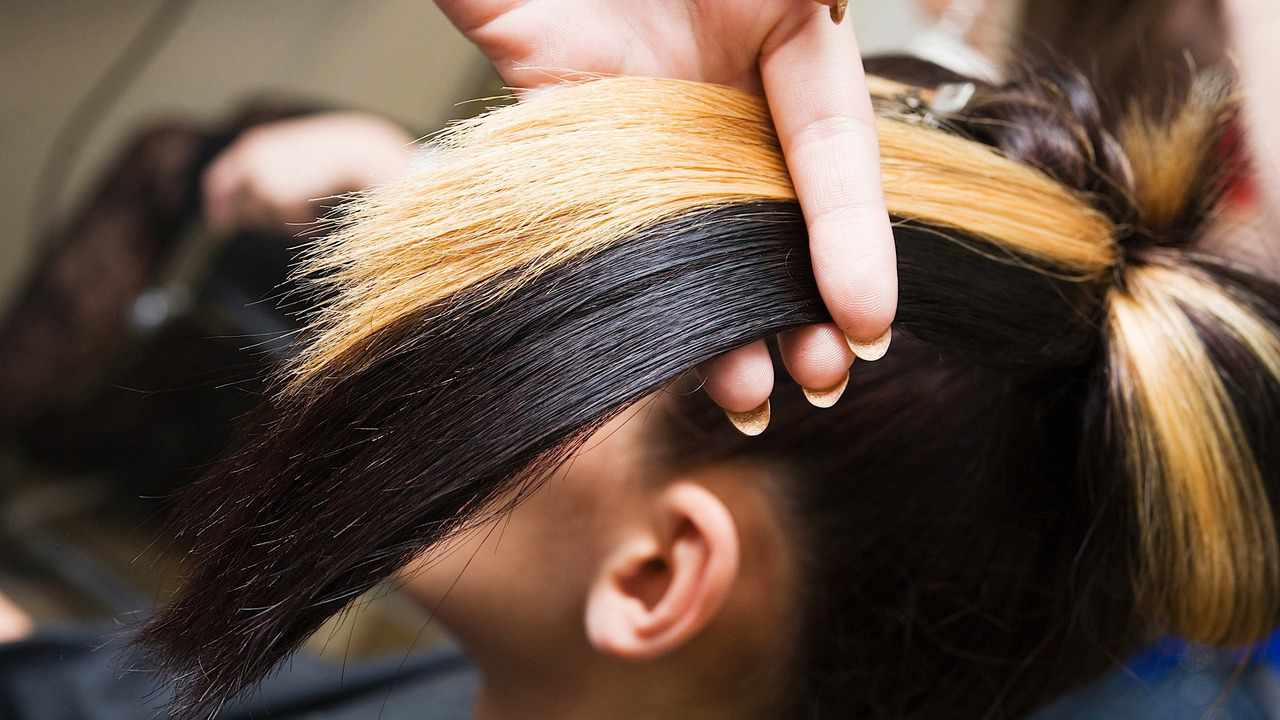 How To Get Chunky Hair Highlights At Home