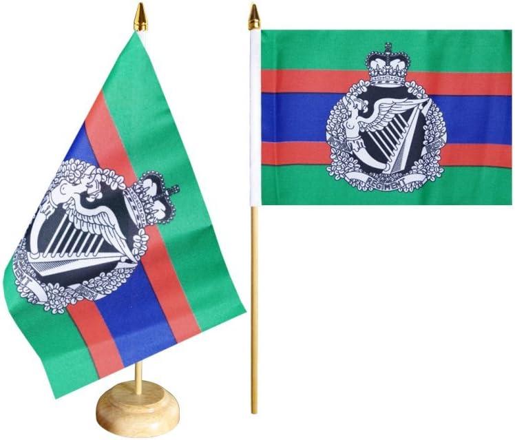 Flaggenfritze/® Tischfahne Gro/ßbritannien British Army Royal Irish Regiment gratis Aufkleber Tischflagge