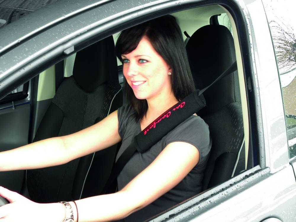 Rosso//Nero Carpoint 1421502 Kit Proteggi Cintura Car Comfort