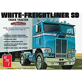 Amazon com: 1:25 Peterbilt 352 Pacemaker Cabove: Toys & Games