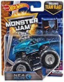 The Monster Jam 25th Anniversary is a smash hit and hot wheels joins the celebration with this special edition silver collection! From roof-to-wheels and bumper-to-bumper, these awesome rides outshine the competition as they rocket around the arena j...