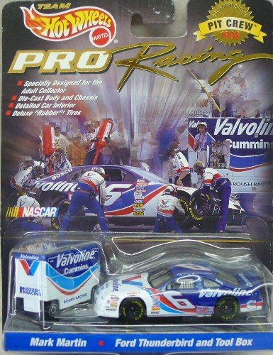 Team Hot Wheels Pro Racing 1998 Pit Crew Nascar 1:64 Scale #6 Valvoline Ford Taurus and Tool Box Mark Martin