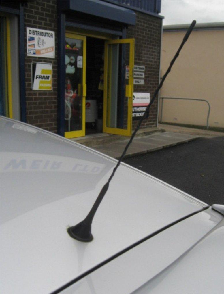 Black Genuine Replacement AM//FM Aerial Mast Antenna Roof Screw in Type