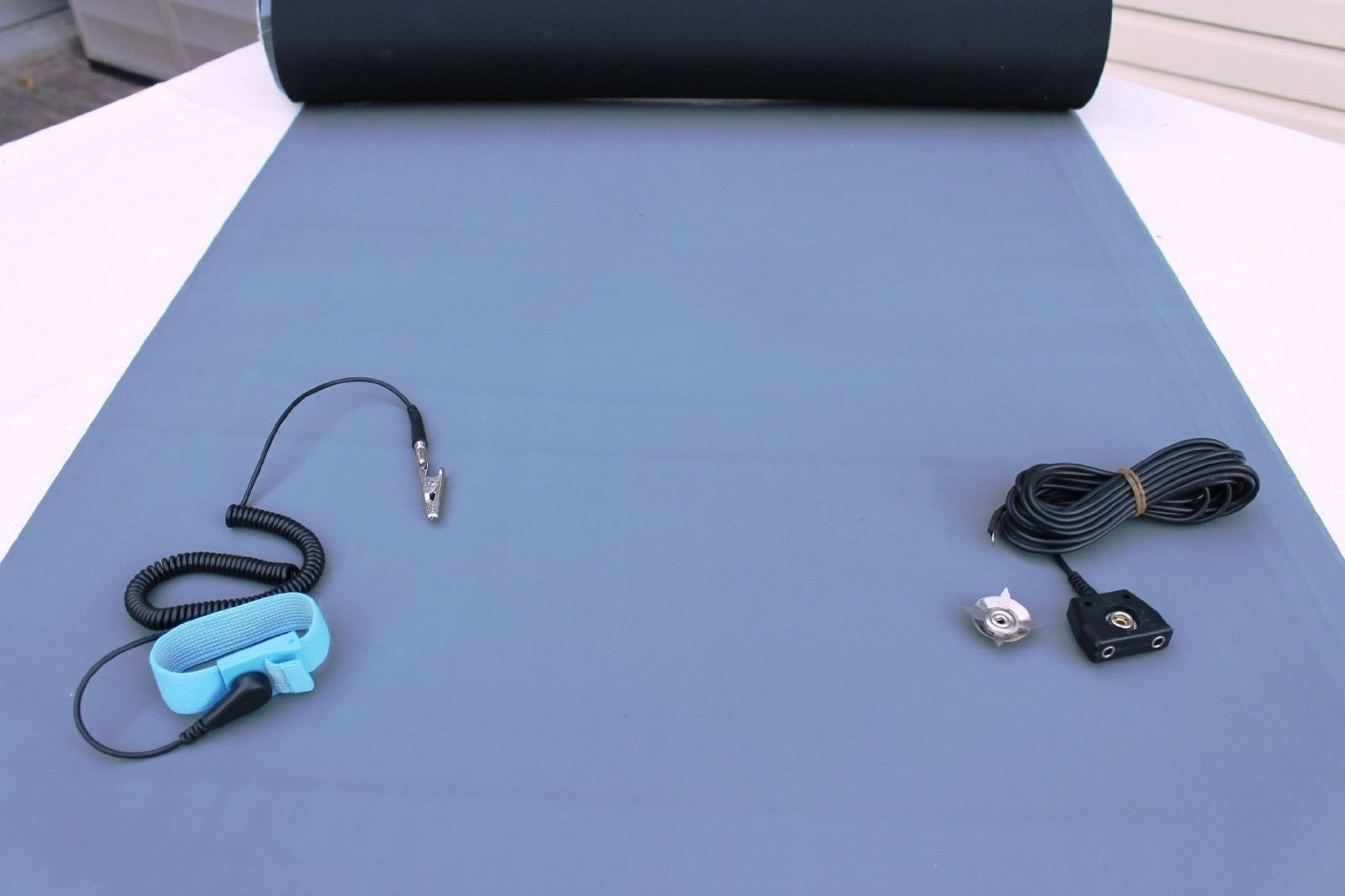 2LAYER RUBBER ESD ANTI-STATIC HI-TEMP GROUNDING MAT 24 X 48 W//GROUND CABLE-BLUE