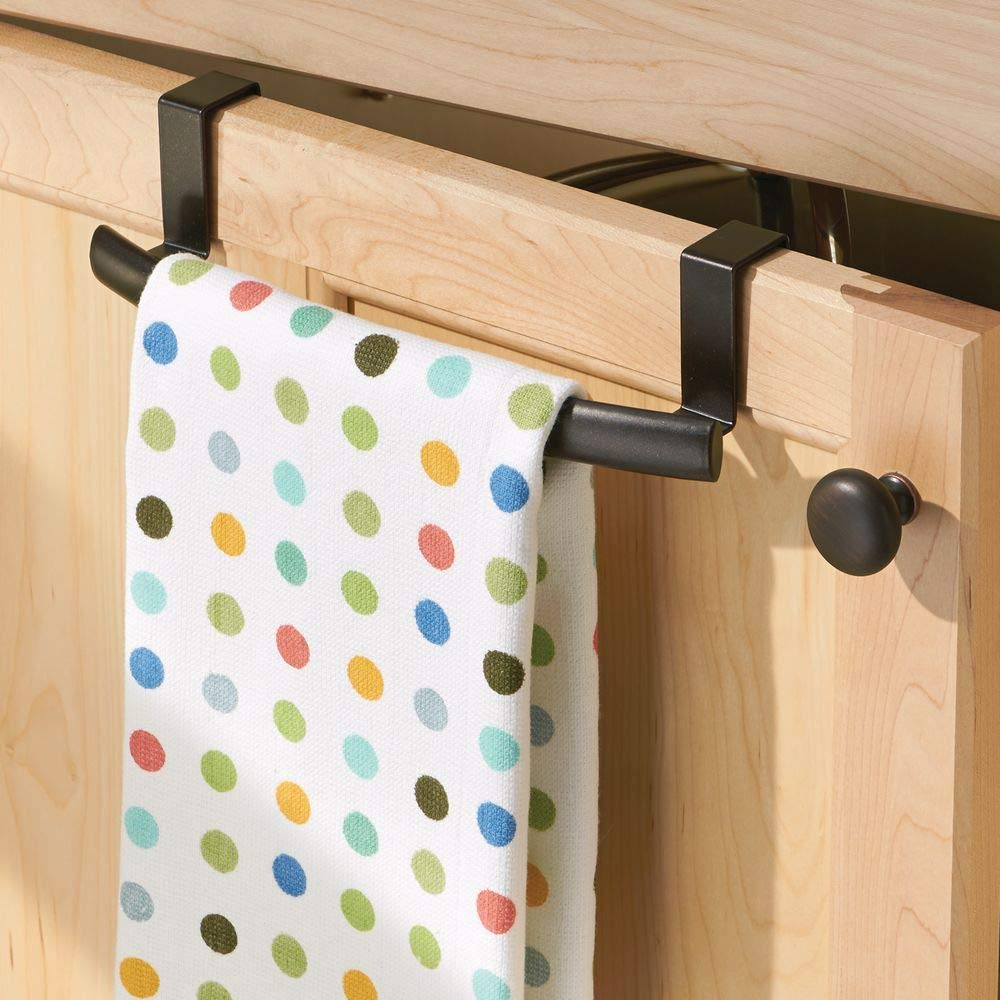 Colgadores de cocina para las puertas de los armarios bronce Toalleros de ba/ño de metal mDesign Juego de 2 barras para colgar pa/ños de cocina
