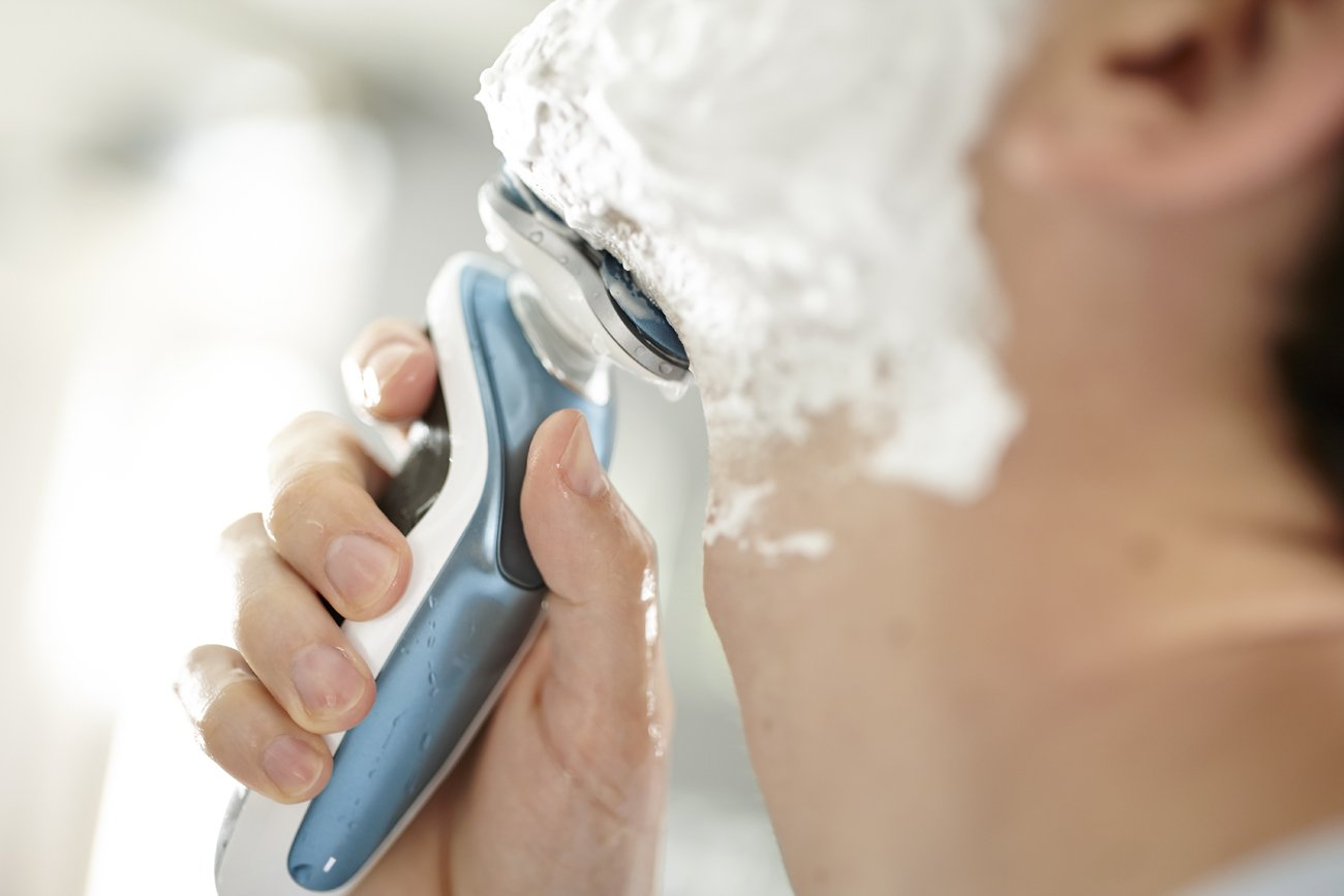 Philips Norelco Electric Shaver 7500 for Sensitive Skin by Philips Norelco (Image #3)
