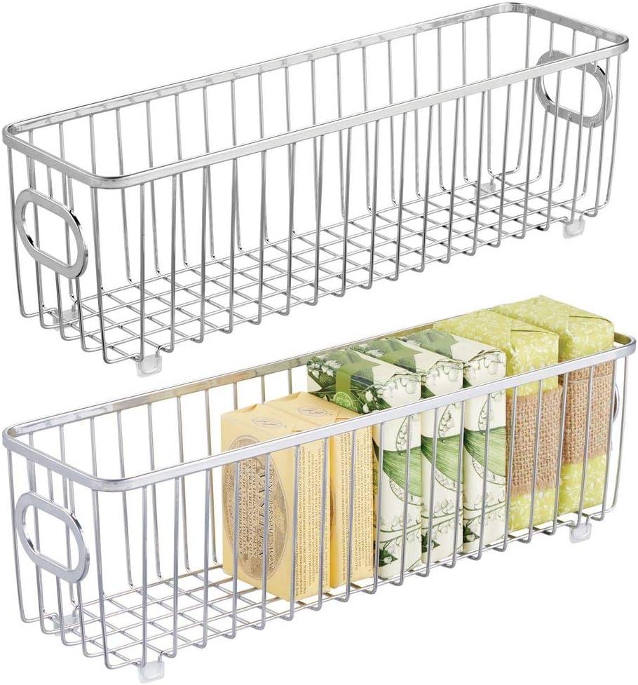 mDesign Juego de 2 cestas de almacenaje en metal con asas integradas – Caja organizadora estrecha con bonito diseño en malla de alambre – Ideal como organizador de baño para cosméticos – plateado