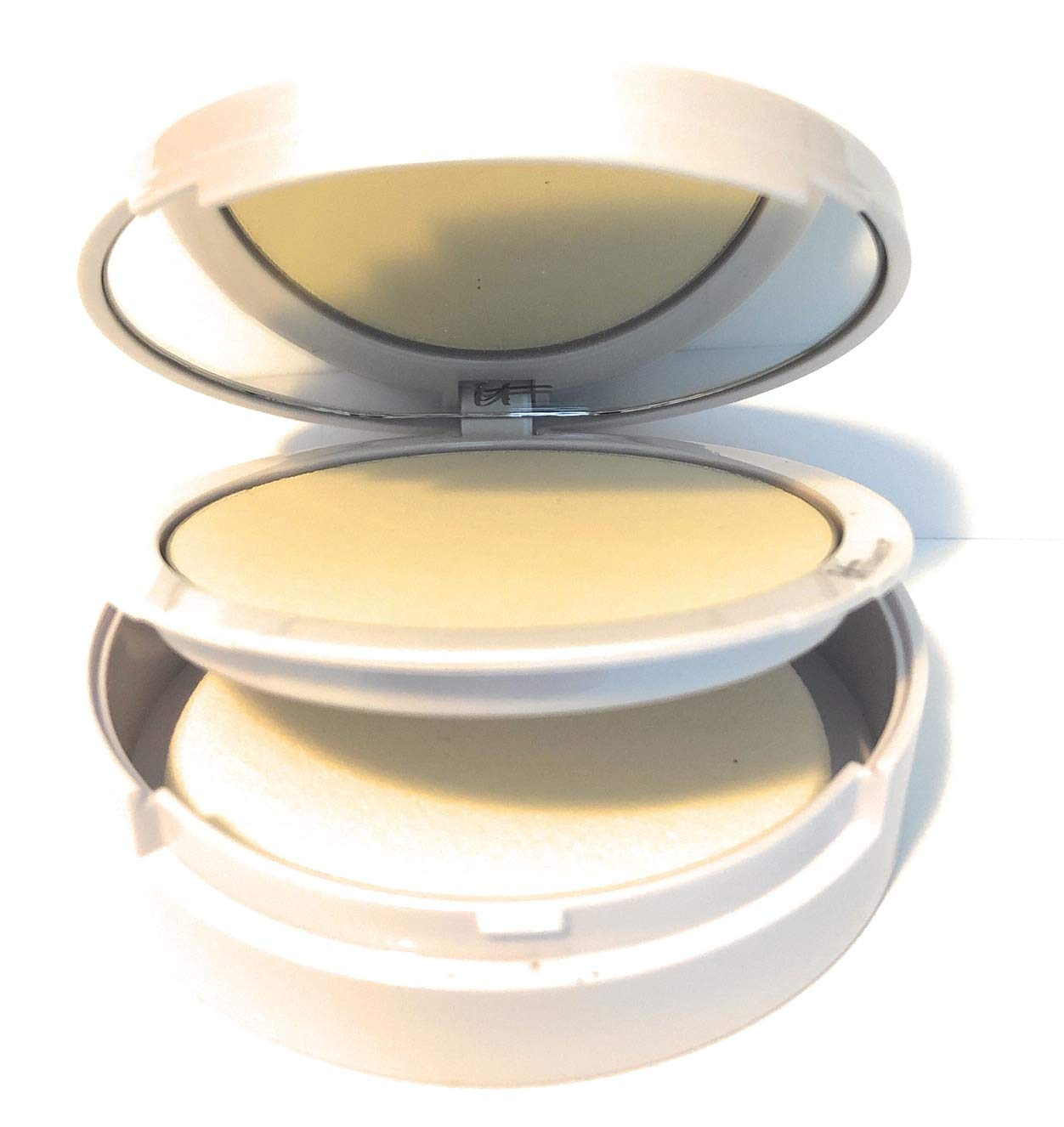 It Cosmetics Bye Bye Pores Illumination Poreless Finish Airbrush Pressed Powder in Radiant Transulcent 0.31 oz by It Cosmetics