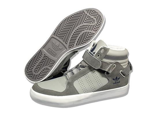 Adidas dga è metà scarpa di moda.