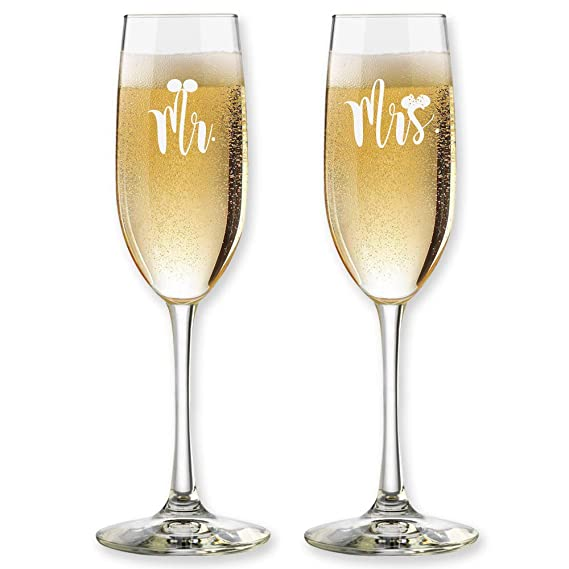 Set of 2, Personalized Wedding Toast Champagne Flutes – Mr. Mrs. Date Last Name Champagne Wedding Glasses – Customized Flutes for Bride and Groom Gift for Wedding