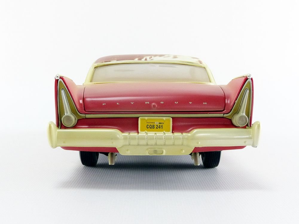 Auto World-Miniature Car Dirty Version Christine 1958Plymouth Fury 1/18Scale, awss119, Red/White by Auto World (Image #3)