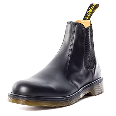 106d72a831a Dr Martens B8250 Slip-On Dealer Boot Unisex Boots  Amazon.co.uk  Shoes    Bags