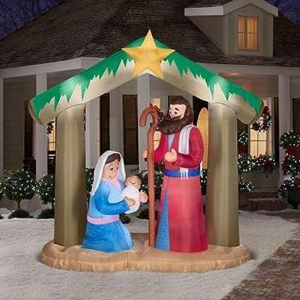 Amazon.com: Navidad Hinchable 9 1/2 t X 12,5 L Plush Belén ...