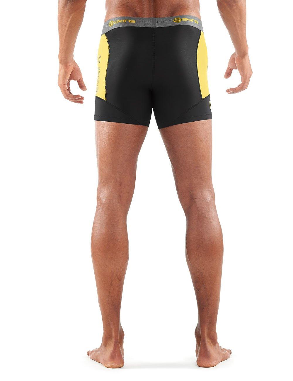 SKINS Men/'s DNAmic Compression Half Tights 1//2 Run Running Endurance Exercise