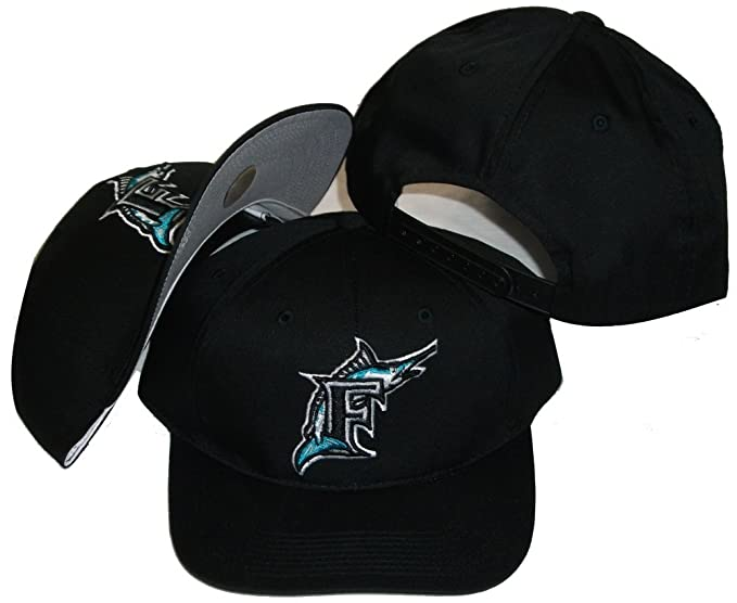info for 82cd9 4cf67 Amazon.com   Florida Marlins Vintage Retro Black Plastic Snapback  Adjustable Snap Back Hat Cap   Sports Fan Baseball Caps   Clothing