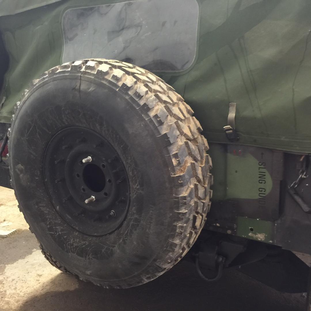 USED ORIGINAL HUMVEE (TM) USED USED MOUNTED SPARE TIRE M998 Rim Included