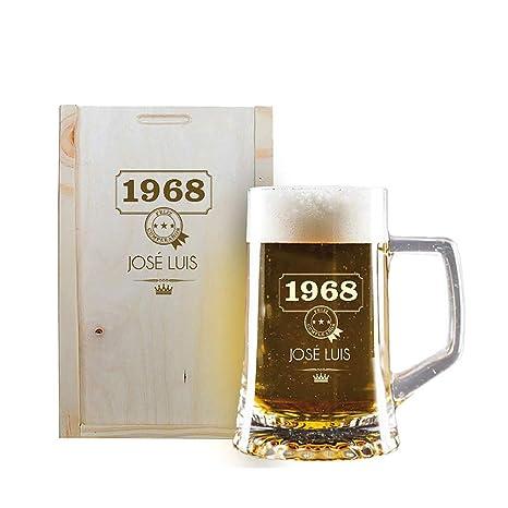Calledelregalo Regalo Personalizado: Jarra de Cerveza grabada con su Nombre y año de Nacimiento en Estuche de Madera también Grabado