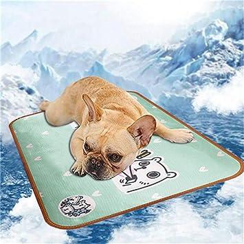 Amazon Com Retrofish Summer Cooling Mat For Dogs Cats