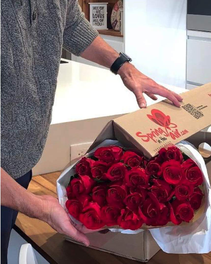 PREMIUM Fresh Flowers for Delivery, 25 FRAGRANT, GIANT & LONG LASTING Red Roses Bouquet, No Vase, Best Flowers Quality On Amazon, Award-Winning, 2 Flower Food Packets Included by Spring in the Air (Image #7)