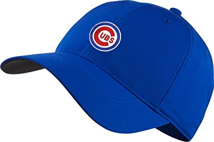 78d9c3c4c2c Amazon.com   Nike MLB Chicago Cubs Legacy 91 Tech Cap   Sports ...