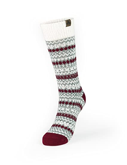 6d90302359d Amazon.com  Kodiak - Women s Crew Socks - Style 4346 - Burgundy 4-10   Clothing