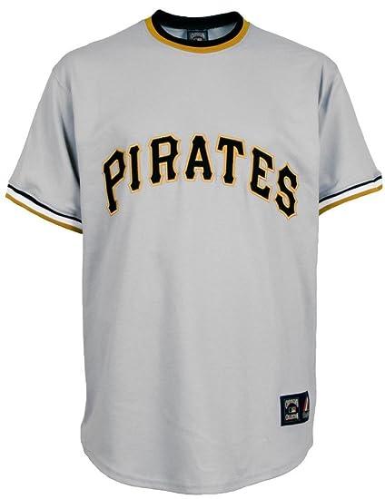 Amazon.com   Majestic Roberto Clemente Pittsburgh Pirates ... 4b8f242d3