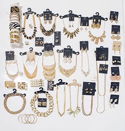 Choice by Choi Fashion Jewelry Assorted Gold & Silver, Bulk for Wholesale, Assorted Bracelet, Necklace, Earrings, Rings & Strand made of Zinc, Steel, Brass by (100 PCS Assorted) by Choice by Choi (Image #3)