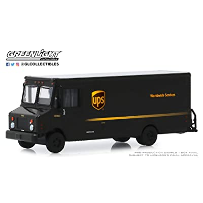 Greenlight 33170-C H.D. Trucks Series 17-2020 Package Car - United Parcel Service UPS 1:64 Scale: Toys & Games