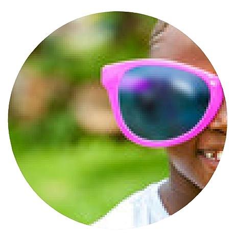 alfombrilla de ratón chico africano que lleva gafas de sol ...
