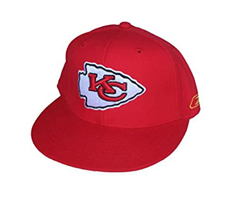 0583f869 Amazon.com : Kansas City Chiefs Fitted Size 7 3/8 Arrowhead Logo Hat ...