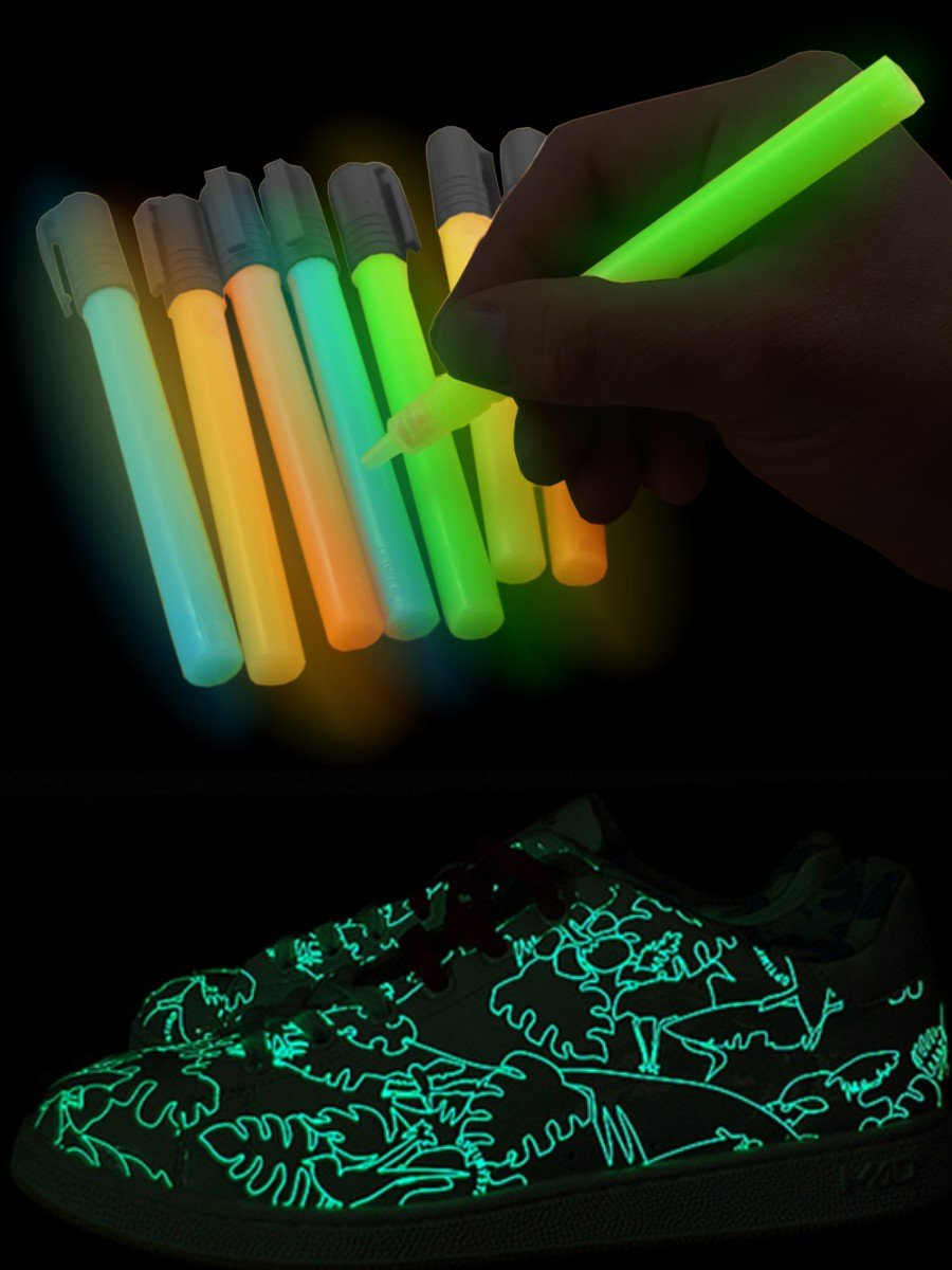 Glow In The Dark ~ Blacklight Reactive ~ Paint Pens ~ Set of 5 [Apparel]:  Amazon.ca: Office Products