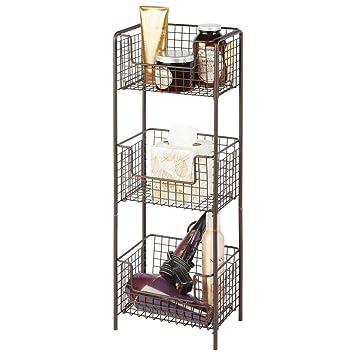 mDesign Estantería de baño de pie en metal – Mueble auxiliar de baño inoxidable con tres baldas metálicas para toallas, champú y gel – Ideal también ...