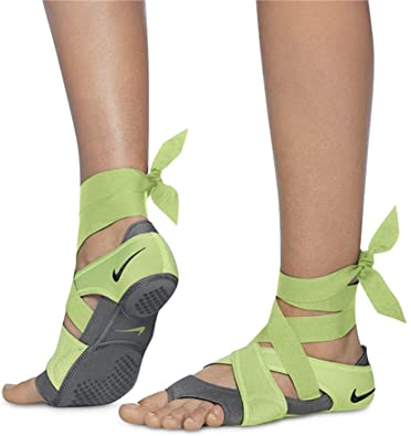 Image Unavailable. Image not available for. Color  Nike Women s Studio Wrap  Pack ... e2c0ac1e458