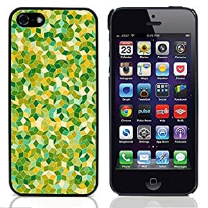 Graphic4You GREEN PATTERN HARD CASE COVER FOR APPLE iPhone 5 & 5S