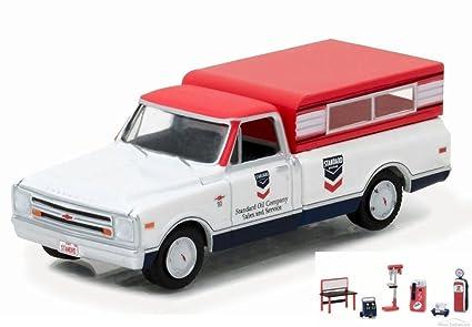 Amazon.com: Diecast coche y Chevron tienda de herramientas ...