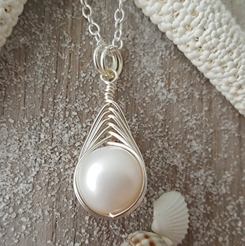 Exclusive from yinahawaii, Wire Braided Sized Round Natural Pearl necklace,