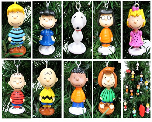 Charlie Brown and Friends Mini Christmas Ornament Set - Unique Shatterproof Plastic Design From 1.5
