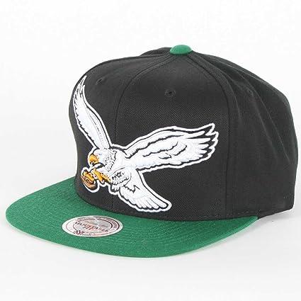 6c4b940b893f2 Amazon.com   Mitchell   Ness Philadelphia Eagles NFL Vintage XL Logo 2 Tone  Snapback Black Green Hat   Sports Fan Baseball Caps   Sports   Outdoors