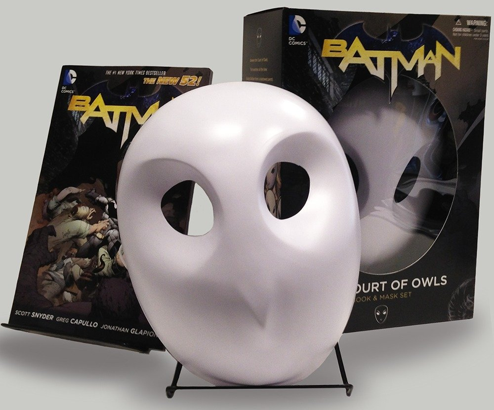 Batman The Court Of Owls Mask And Book Set The New 52 Batman The New 52 9781401242855 Snyder Scott Capullo Greg Books
