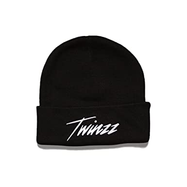 20b6234d71b Twinzz Lightning Script Beanie Hat Black-One Size  Amazon.co.uk ...