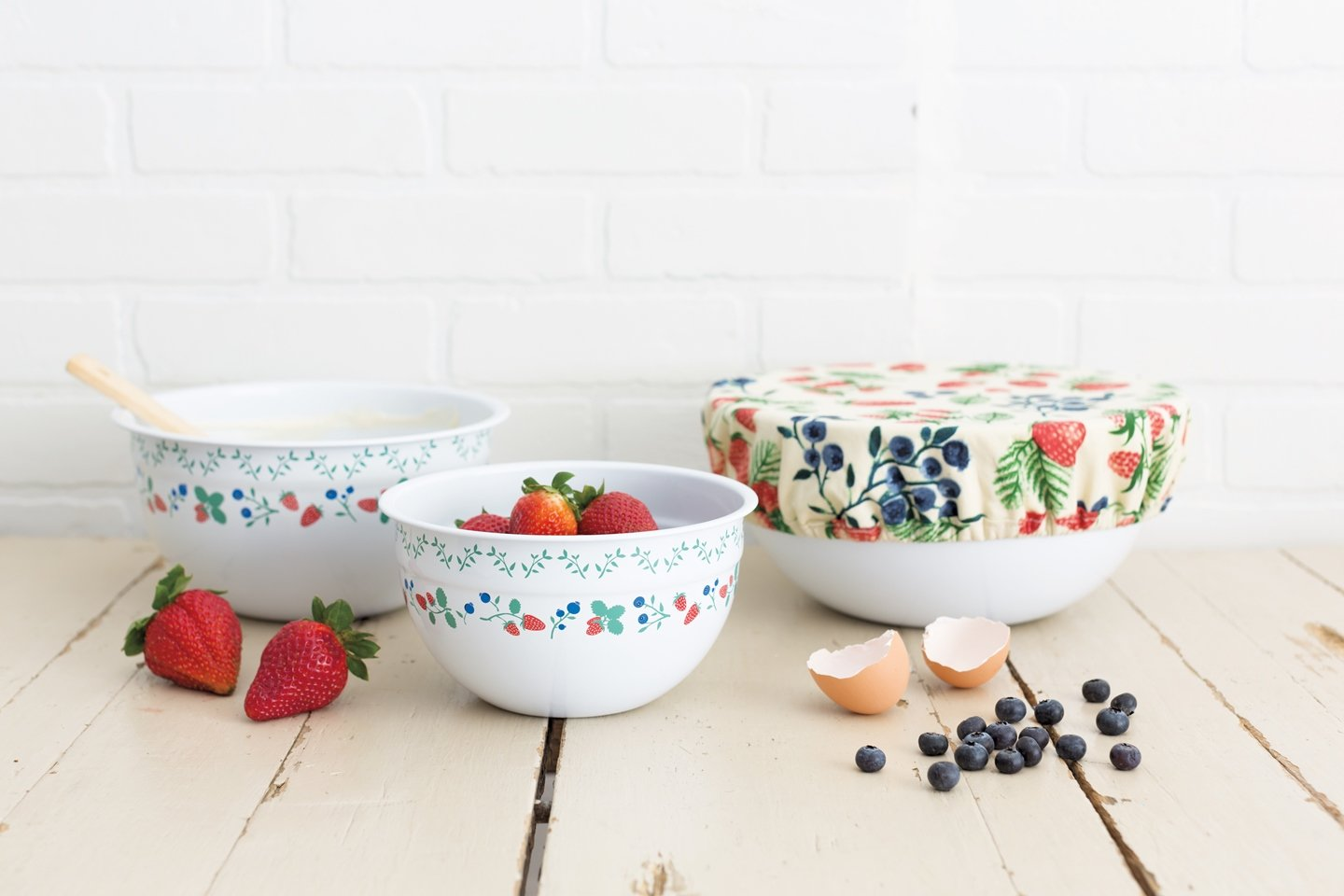 Set of Three Berry Patch Now Designs Mix and Serve Steel Bowls