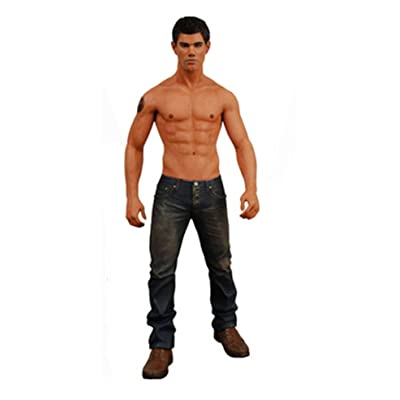 "Twilight New Moon ""Jacob Black"" 7"" Action Figure: Toys & Games"