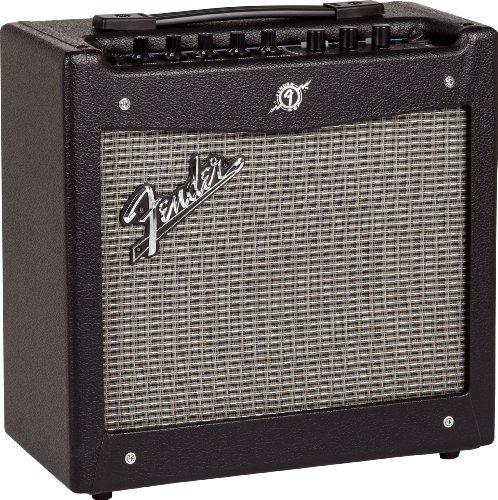 【 並行輸入品 】 Fender (フェンダー) Mustang I V2 20-ワット 1x8インチ Combo エレキギター アンプ アンプリファー   B00JEF5RU0