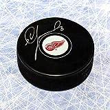 Igor Larionov Detroit Red Wings Signed Hockey Puck - Autographed Hockey Pucks