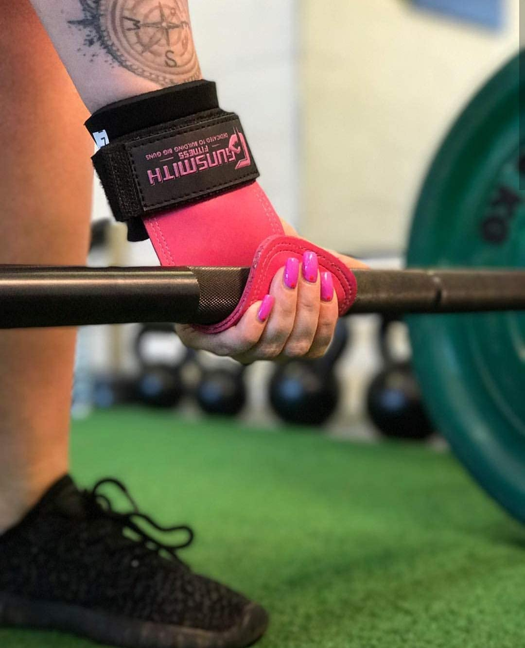 Gunsmith Fitness Power Grips Heavy Duty Straps Alternative Power Lifting Hooks Best For Deadlifts Adjustable Neoprene Padded Wrist Wraps Support Bodybuilding