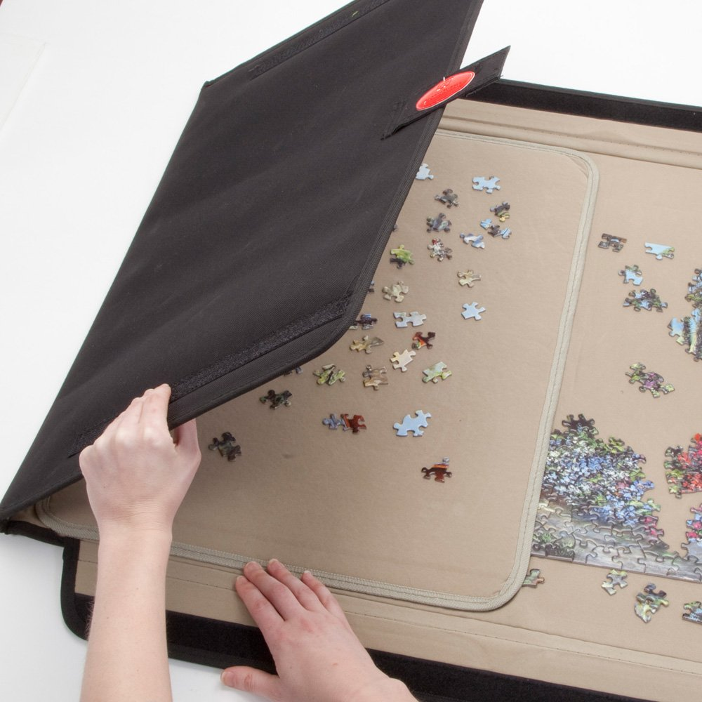 1500 Piece Puzzle Caddy-Porta-Puzzle Jigsaw Caddy holds the pieces very securely.